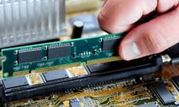 установка оперативной памяти комьютера